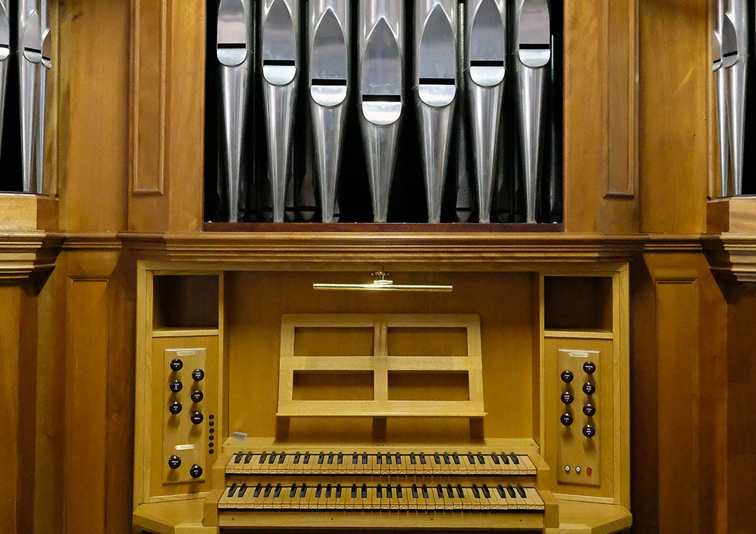 Consolle organo a canne dell'Istituto Musicale di Caltanissetta (costruito dalla Ditta Fratelli Cimino)